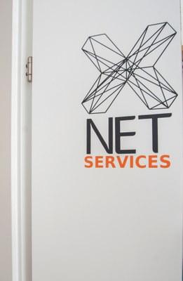 X-Net Logo in der Tür